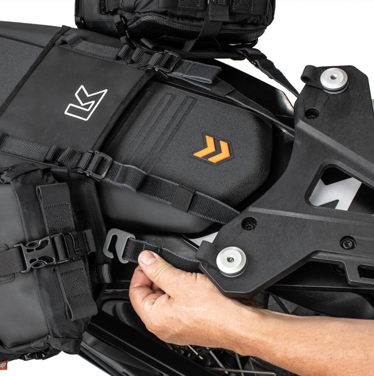 Kriega-OS-Base-KTM-790-Montagesystem-fu-r-OS-Taschen_02-Kopie